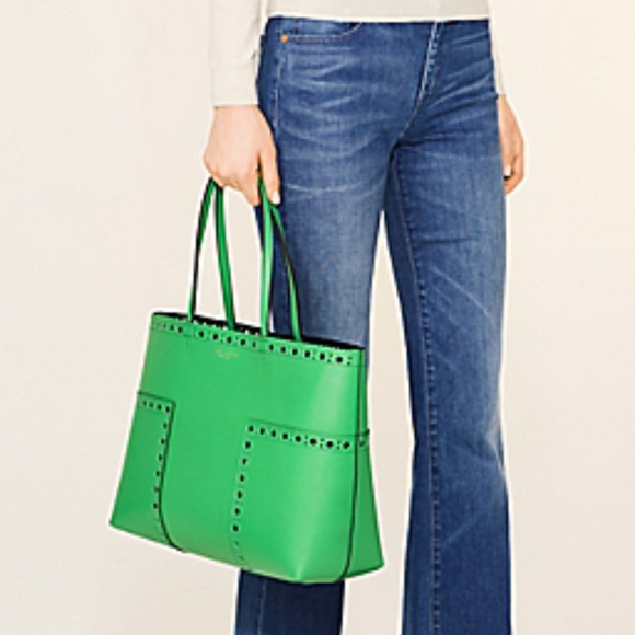 9776da3a2555 Tory Burch Brogue Kelly Green Tote Handbags. M 5af7f852c9fcdf96e5861a8d. Other  Bags you may like